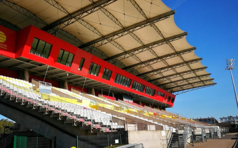 Stade-diochon-architecture-textile-Bâches-de-France